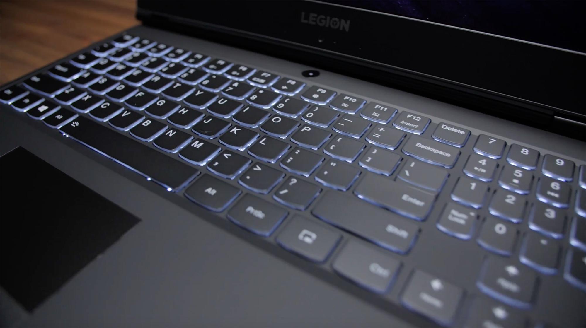 Legion Y540 do teclado retroiluminado na cor branca